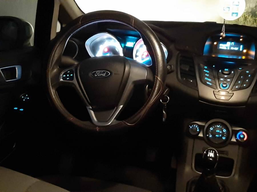 Carte voiture Ford Fiesta