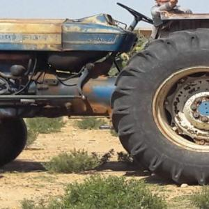 Sfax-vehicules_et_pieces-جرار-فلاحي-فورد-6600