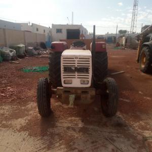 Medenine-vehicules_et_pieces-Tracteur-steyer-avec-remorque