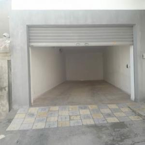 Tunis-immobilier-à-louer-dépôt-44m-porte-électrique