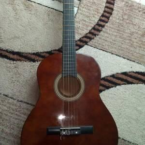 Bizerte-loisirs_et_jeux-guitare-classique-marron