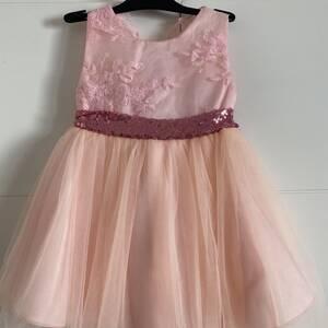 Nabeul-bebe_et_enfant-robe-de-princesse-9-a-18-mois
