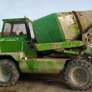Kairouan-vehicules_et_pieces-toupi-merlo-2500