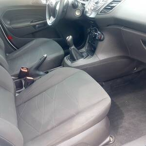 Manouba-voitures-Ford-(Fiesta)-2013-Manuelle-Essence