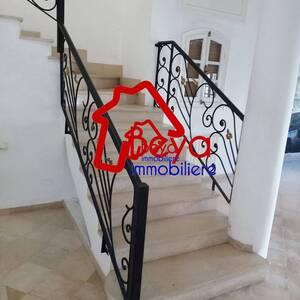 Ariana-immobilier-A-Vendre-maison(ou-villa)-Non-Meublé-5-Pièces
