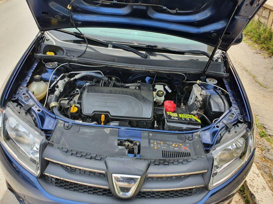 Carte voiture Dacia Logan