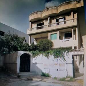 Tunis-immobilier-A-Vendre-maison(ou-villa)-Non-Meublé-4-Pièce(s)