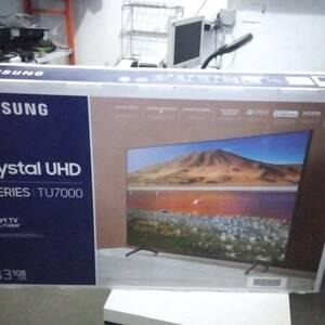 Tunis-informatique_et_multimedia-TV-Samsung-smart-série-7-cristal-cacheté-importé