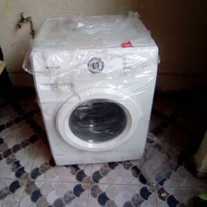 Ben-Arous-maison_et_jardin-machine-a-laver-Brandt