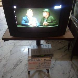 Gafsa-informatique_et_multimedia-TV+Recepteur+table