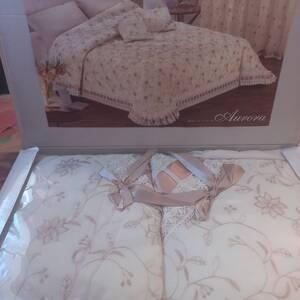 Tunis-maison_et_jardin-couvertures-lit-de-très-bonne-qualité-et-très-chic