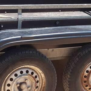 Gabes-vehicules_et_pieces-Deux-remorques-à-double-essieux