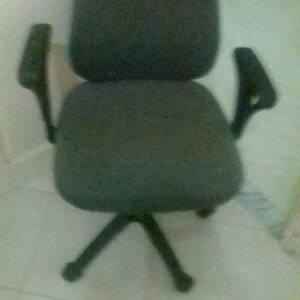 Ariana-maison_et_jardin-chaise-de-bureau